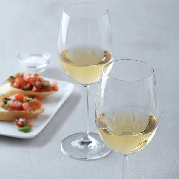 Stilvoller Weingenuss für Einsteiger mit Leonardo Daily Gläsern. (Foto: Amazon)